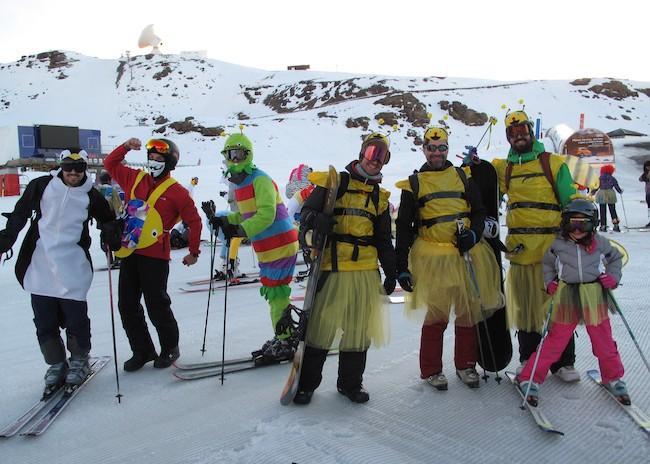 Participantes en la bajada del carnaval.