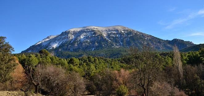 Vista de la Sierra de la Sagra, cuya cima está a 2.383 metros.