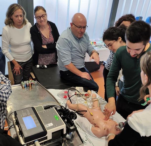 Sesión del curso en el Hospital Clínico San Cecilio.