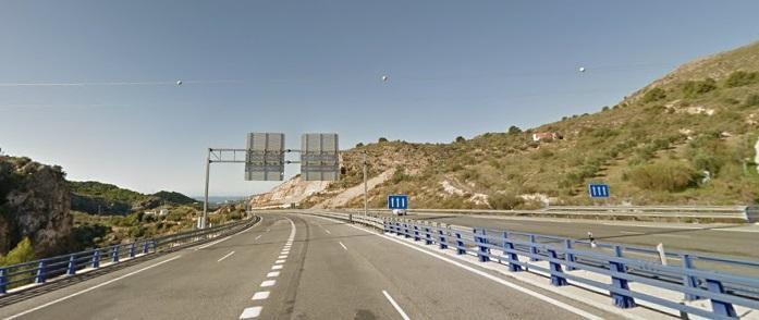 A44 a su paso por Iznalloz.
