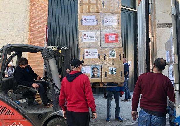 Cajas con bienes de primera necesidad para los campamentos de refugiados saharauis.