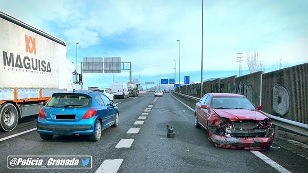 Accidente en la salida de la Chana, en dirección a Jaén.