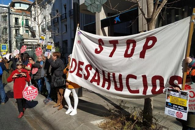 Protesta ante CaixaBank en Gran Vía.