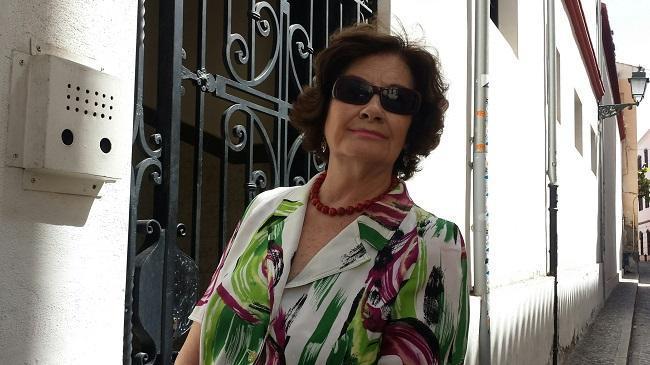 Antonina Rodrigo, en el Albaicín.