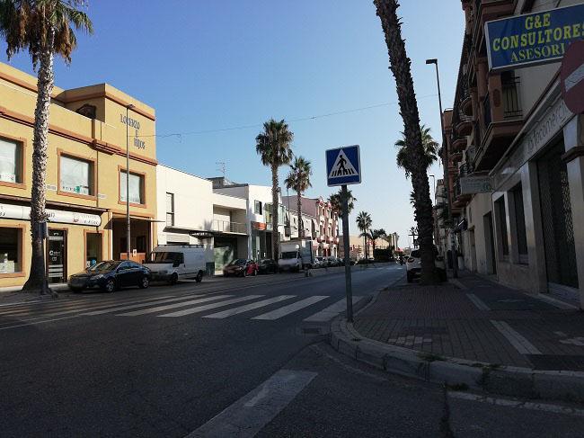 Imagen de una avenida de Salobreña.