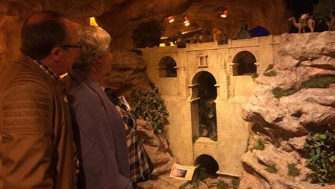 El belén recrea numerosos monumentos españoles.