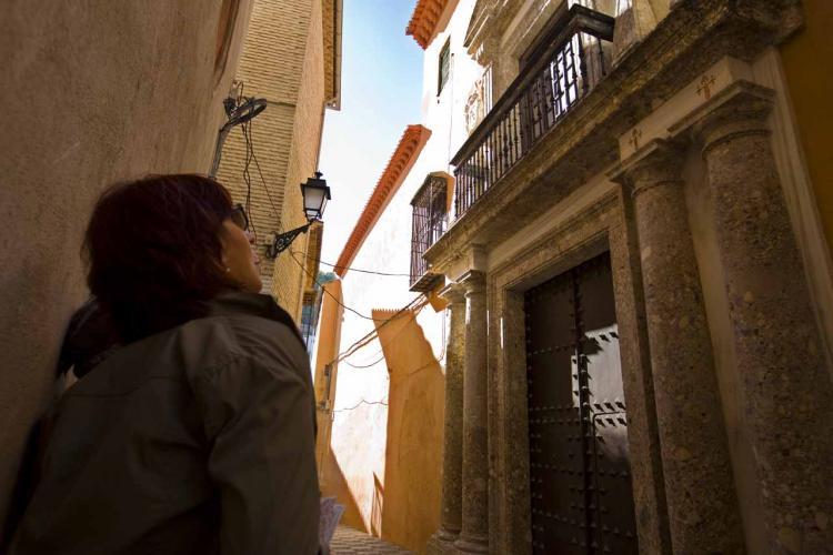 El juez José Luis Ruiz Martínez investiga la venta de la Casa Ágreda y el caso Emucesa.