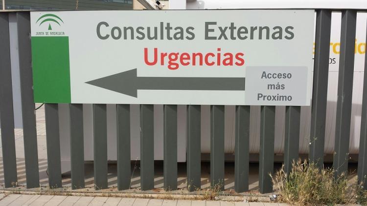 Panel señalizador de consultas externas del Hospital San Cecilio.