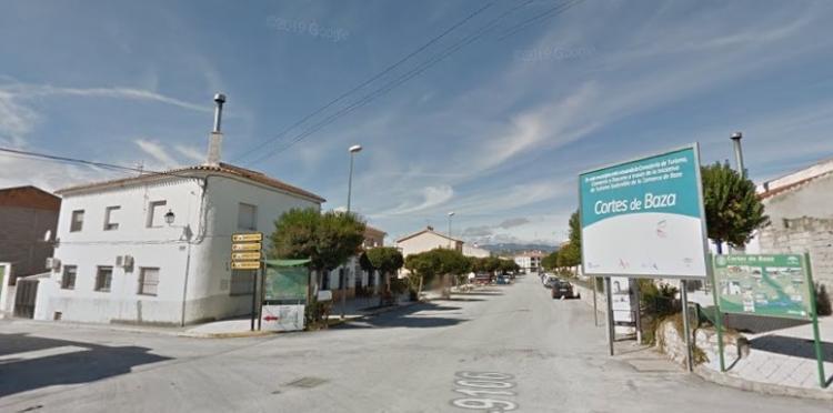 El accidente ocurrió en la carretera que une Cortes de Baza y Benamaurel.