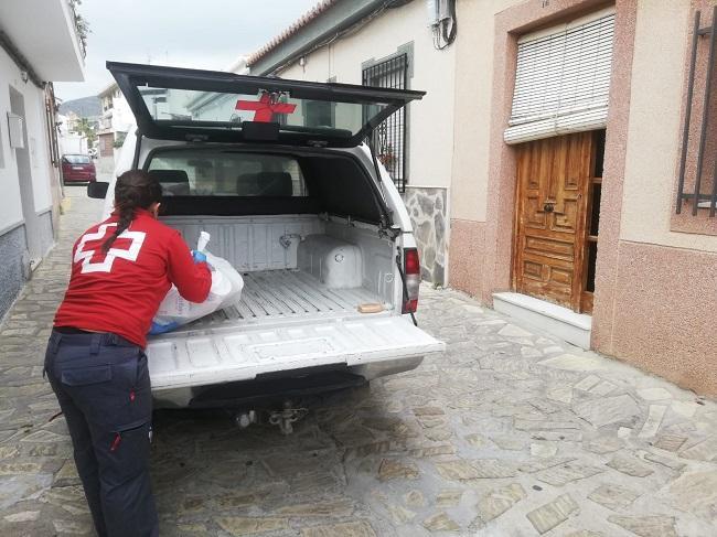 Personal de Cruz Roja Motril.