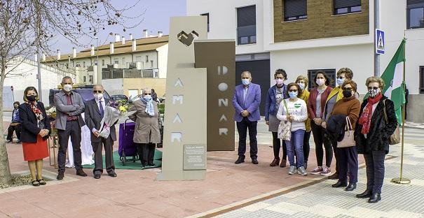 Monumento dedicado al donante.
