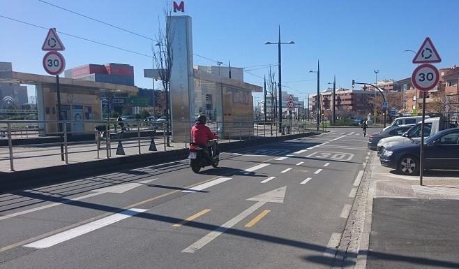 Calle Torre de Comares, una de las vías 'pacificadas' con limitación a 30