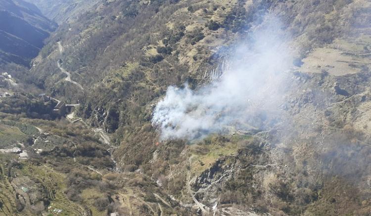 Imagen aérea del incendio en el Barranco del Poqueira.