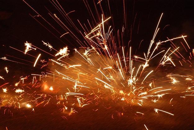 Explosiones de petardos.
