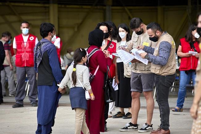 Una familia afgana, a su llegada a la base de Torrejón el pasado 24 de agosto.