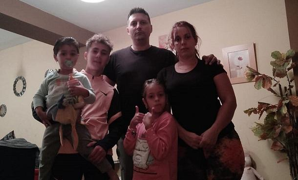 Familia de Caterina e Iván, con tres hijos.