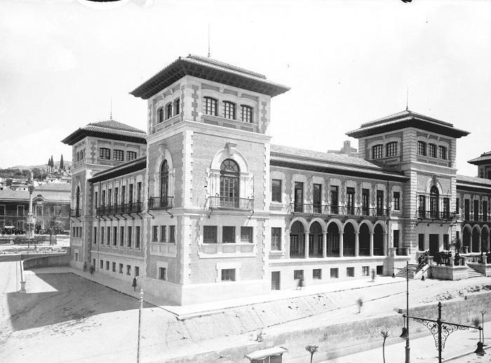 Foto Escuela Normal de Magisterio. Inaugurada el 1 de octubre de 1933.
