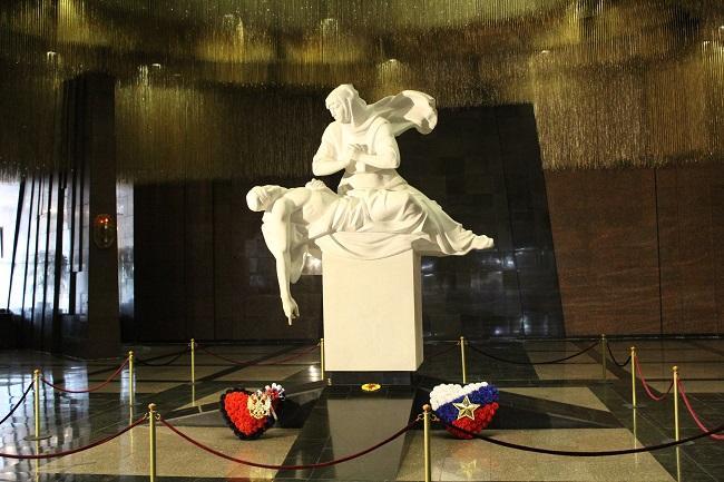 Entrada al interior del Museo de la Gran Guerra Patria.