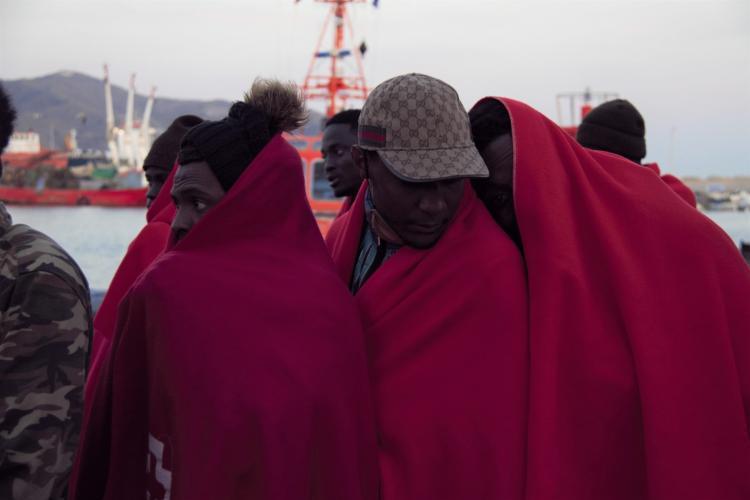 Migrantes, en un rescate anterior.