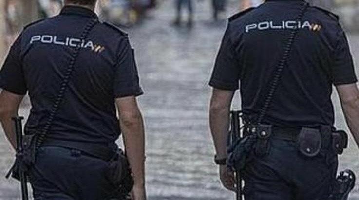 La Policía aún no ha detenido a otro implicado en el robo.