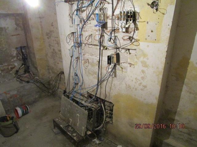 Uno de los enganches ilegales descubiertos por la compañía eléctrica.