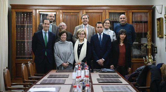 Miembros del Colegio de Abogados y de las entidades beneficiadas.