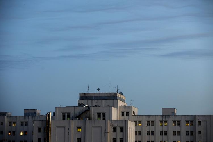Espectacular imagen del Hospital Virgen de las Nieves.