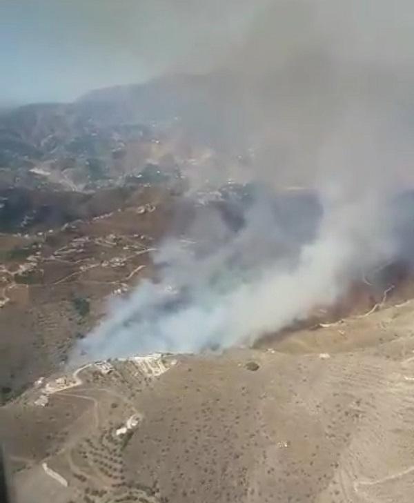 Imagen aérea de la zona del fuego.