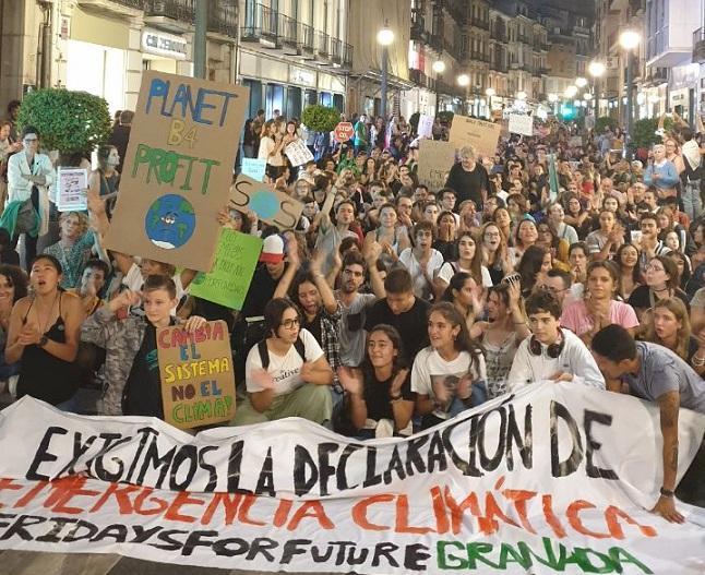 La manifestación, en Reyes Católicos.