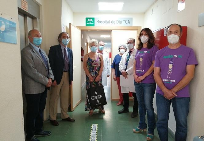Visita de la Asociación TCA Andalucía, hace dos semanas, a una unidad que en ese momento solo tenía el rótulo.