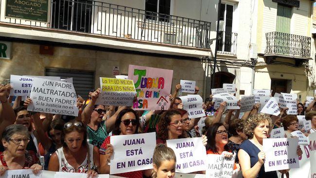 Concentración del viernes en apoyo a Juana Rivas.