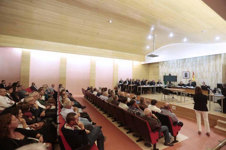 El macrojuicio se celebra en el salón de actos del edificio de La Caleta.
