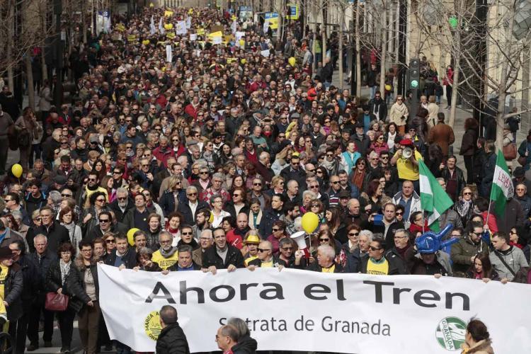 Más de 15.000 personas han participado en la manifestación.