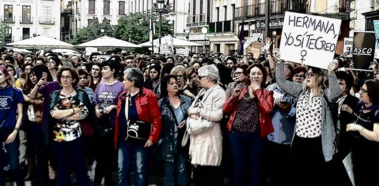 Granada se sumó masivamente a la protesta por la sentencia de La Manada.