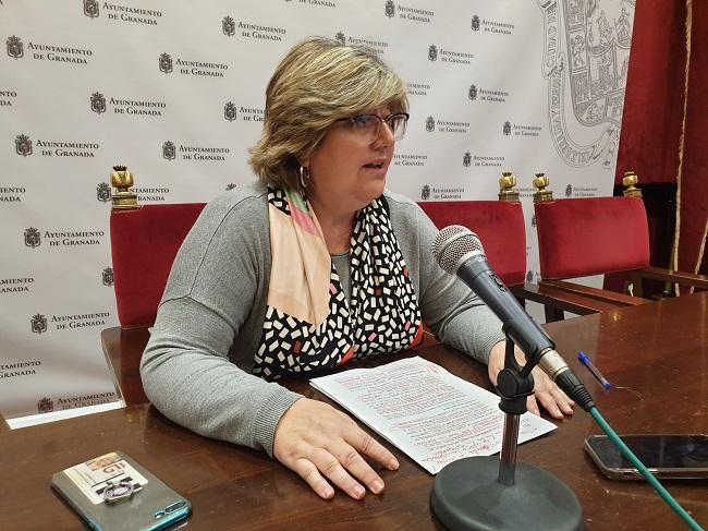 Ana Muñoz ha presentado la moción de PSOE y Podemos-IU.