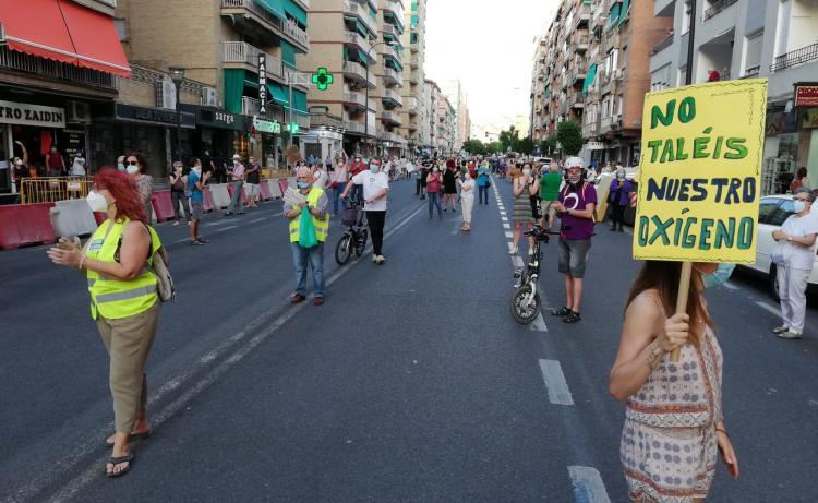 Imagen de la modélica concentración en la calle Palencia.