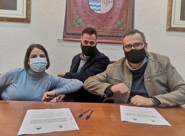 Firma del convenio con AGMADA.
