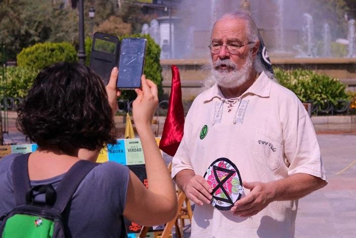 Grian Cutanda lleva 29 días de ayuno voluntario por la Tierra.