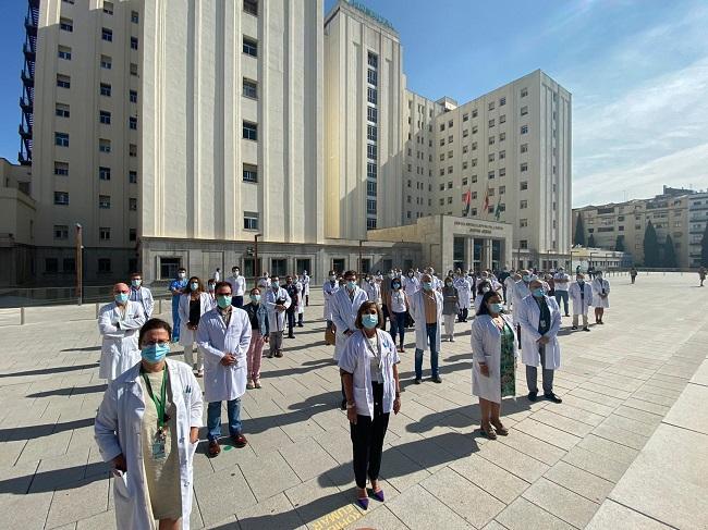 Jefes de servicio y supervisoras de enfermería.