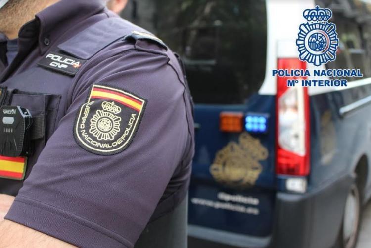 La Policía detuvo al estafador cuando iba a recoger el dinero.
