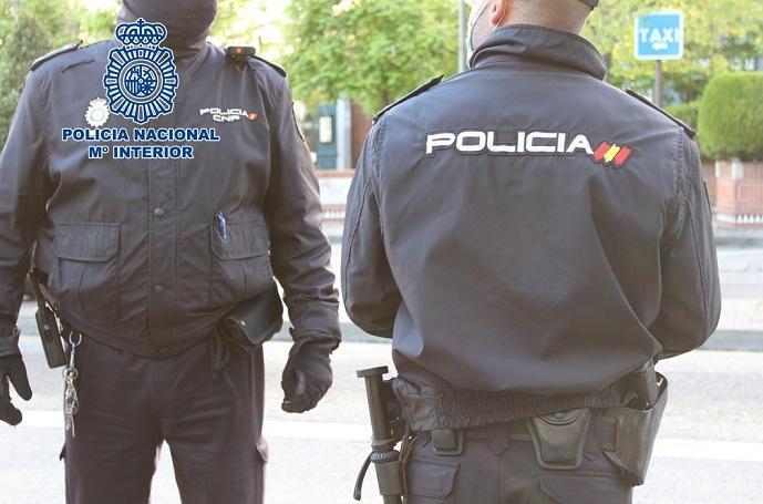 La Policía detuvo al ladrón poco después del suceso gracias a un testigo.
