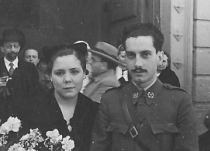 José Ignacio Barraquer Moner y Margarita Coll, el día de su boda en Granada. Detrás aparece Ignacio Barraquer Barraquer.