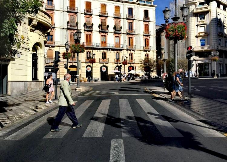 Imagen de Puerta Real, en la capital, este domingo.