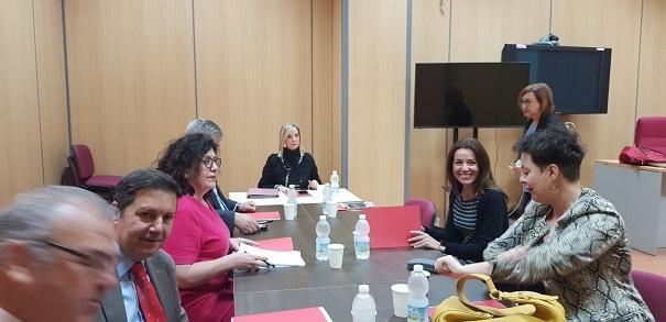 Reunión de la fiscal superior con fiscales delegados antidroga.