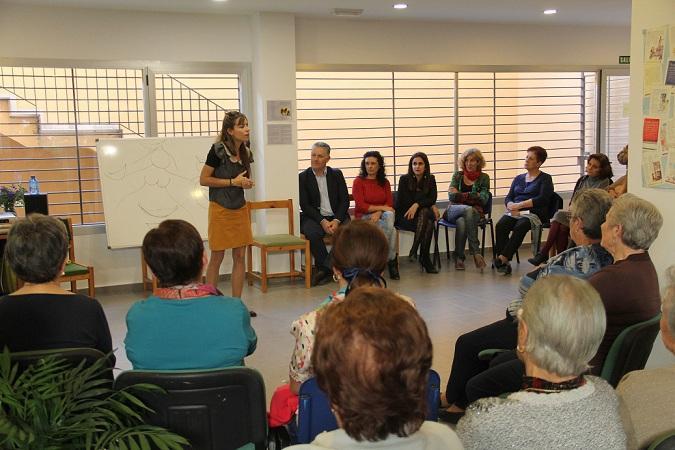 Imagen de archivo de una reunión de mujeres de la provincia.