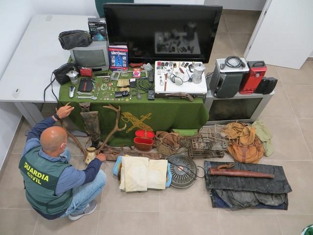 Objetos robados, recuperados por los agentes.