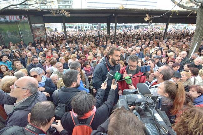 Una multitud se concentró este jueves, convocados por Candel.