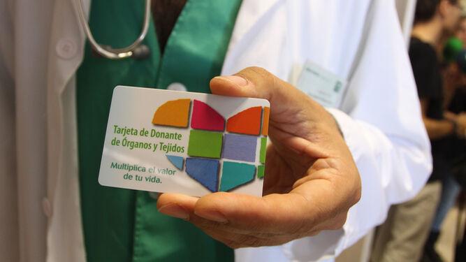 Tarjeta de donante de órganos y tejidos.