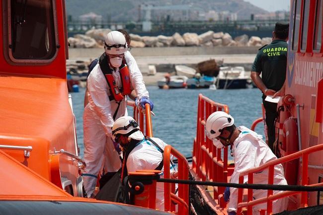 Llegada de Salvamento al Puerto de Motril.