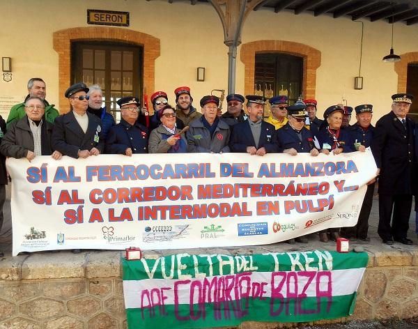 Imagen de una de las movilizaciones para reclamar la reapertura de la línea de tren.